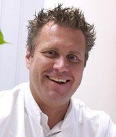 Dr.  Daniel Bücheler